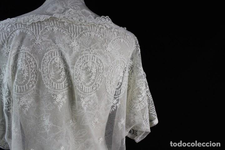 Antigüedades: 161 A Preciosa camisa realizada con encaje de gran fineza. Botones perlados - Foto 9 - 193054315