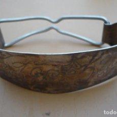 Antigüedades: ANTIGUO SERVILLETERO PLATA DE LEY. Lote 193056893