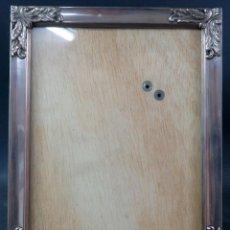 Antiquités: MARCO EN PLATA CINCELADA SIGLO XX. Lote 193072746