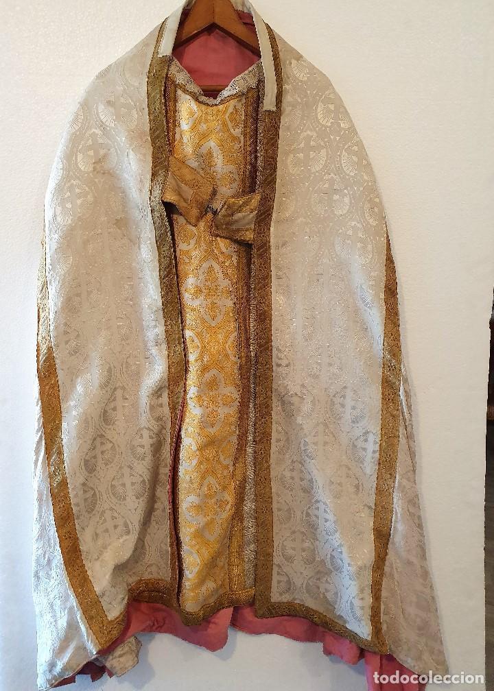 ANTIGUA CAPA PLUVIAL CON CASULLA (Antigüedades - Religiosas - Capas Pluviales Antiguas)