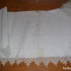 Antigüedades: SABANA DE ALGODÓN CON PUNTILLA 180 X 240 CM. Lote 193192611