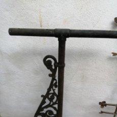 Antigüedades: BRAZO DE FAROLA DE CALLE ANTIGUO HIERRO GRANDE. Lote 193247011