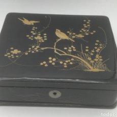 Antigüedades: ANTIGUA CAJA JOYERO MADERA LACADA CHINA. Lote 193270281