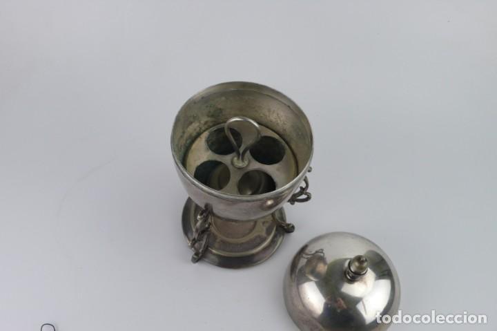 Antigüedades: Copa o recipiente metal cromado para calentar o cocer huevos -Primera mitad S.XX - Foto 4 - 193290095