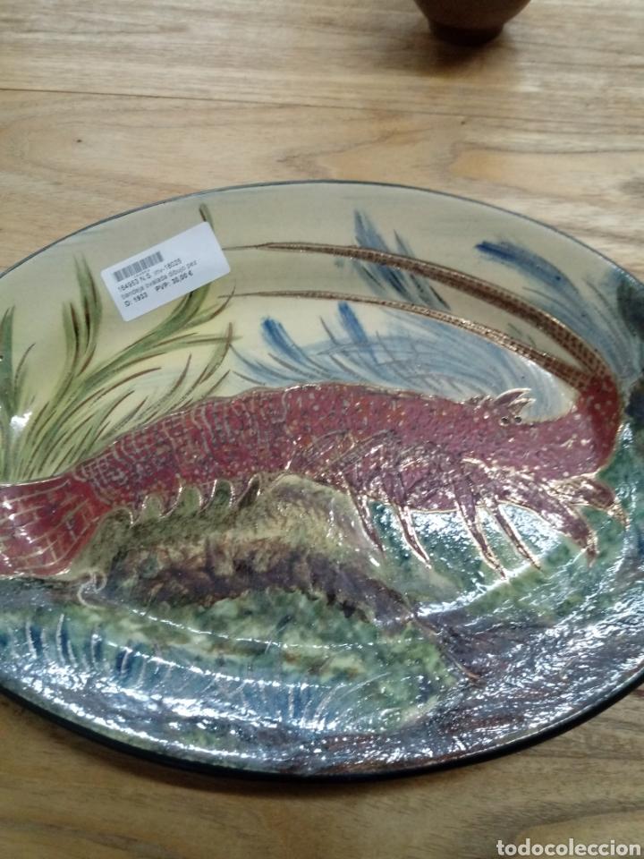 Antigüedades: Bandeja en ceramica de la Bisbal (Girona) con langosta - Foto 3 - 193320487