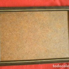 Antigüedades: ANTIGUO MARCO DE MADERA 21 X 29 CM - MARRÓN CON LINEA DORADA - MARCO SENCILLO PARA LÁMINA O PINTURA. Lote 193338282