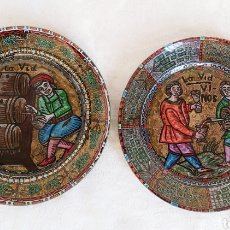 Antigüedades: PAREJA DE PLATOS FIRMADOS LUIS CALVO. LA VID VINOS. Lote 193354091