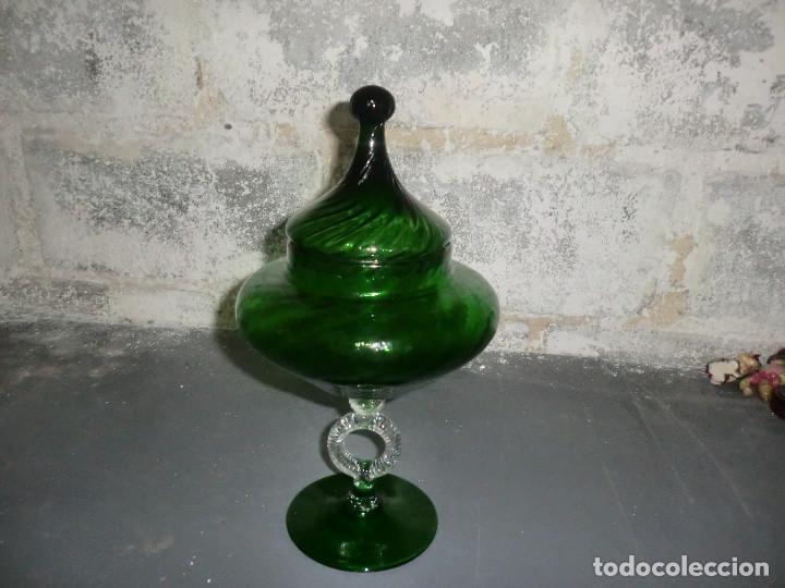 PRECIOSA BOMBONERA DE CRISTAL SOPLADO ,( GUAPISIMA )ALTURA ,UNOS 25-30 CM (Antigüedades - Cristal y Vidrio - Catalán)