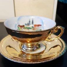 Antigüedades: ESPLENDIDA TAZA DE CAFÉ EN PORCELANA, ECHA PINTADA A MANO CON HOJA DE ORO 24K, RW GERMANY. Lote 193562203
