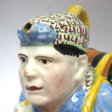 Antigüedades: ANTIGUO BOTIJO MANISES 23 CM HOMBRE CON BARRIL. Lote 193577337