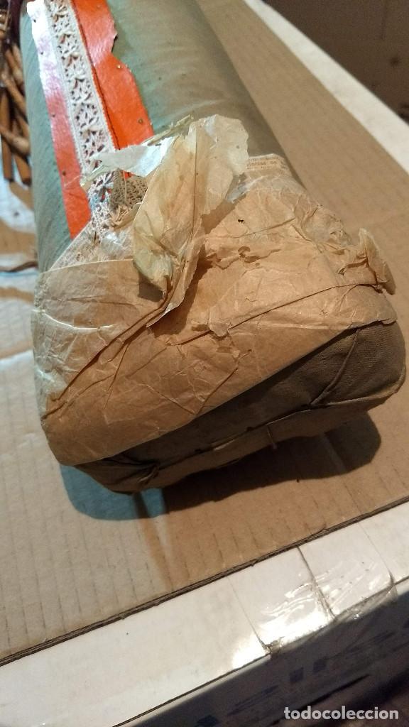Antigüedades: Gran lote encaje de bolillos. Con muchos bolillos y plantillas de muestra. Ver descripción y fotos - Foto 9 - 193637556
