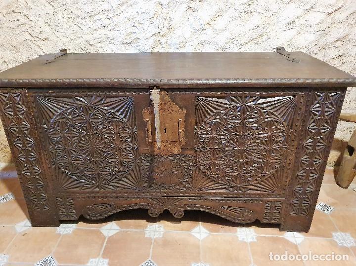ARCON TALLADO (Antigüedades - Muebles Antiguos - Baúles Antiguos)