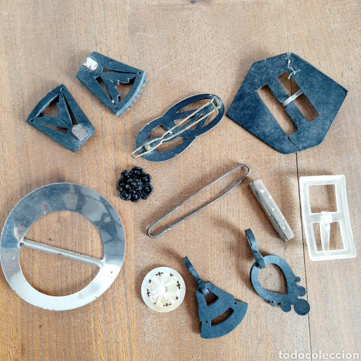 Antigüedades: Lote variado Hebillas Broches / Baquelita Metal etc... - Foto 7 - 193671871
