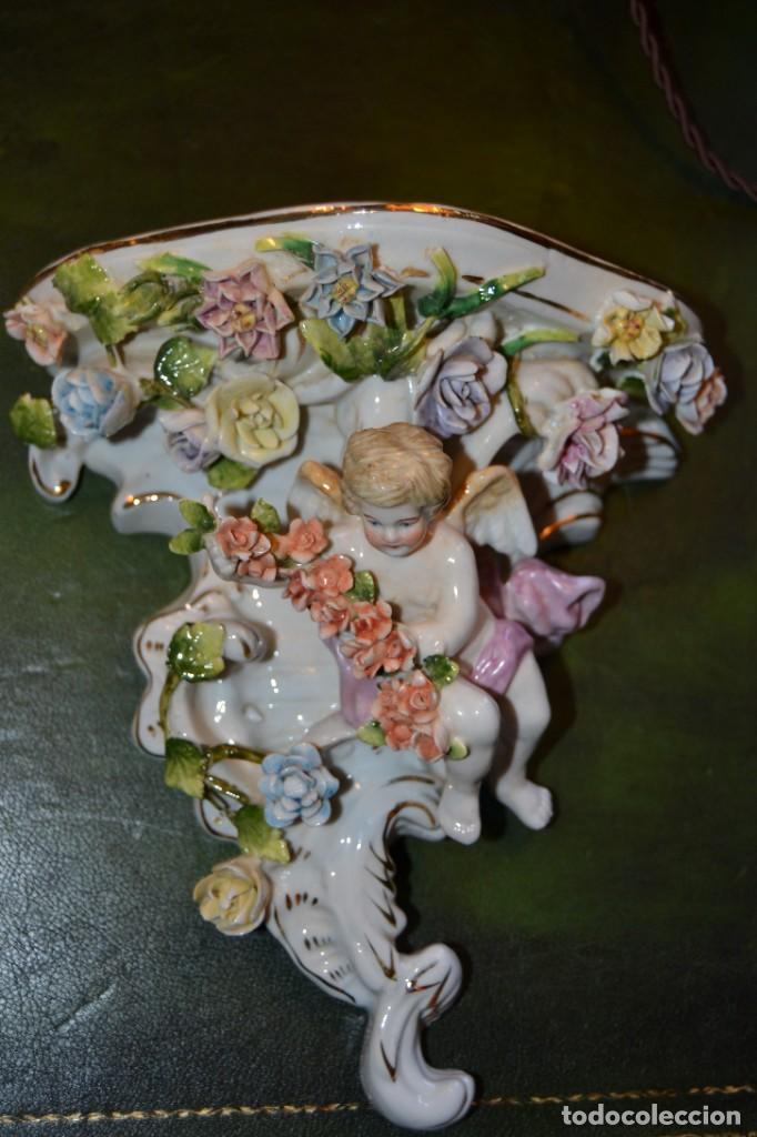 Antigüedades: Pareja de mensulas porcelana - Foto 2 - 193676006