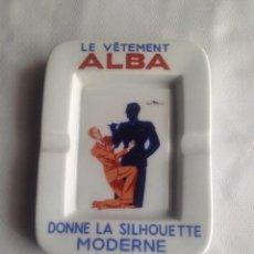 Antigüedades: ANTIGUO CENICERO PORCELANA LE VETEMENT ALBA, DONNE LA SILHOUETTE MODERNE. Lote 193723735