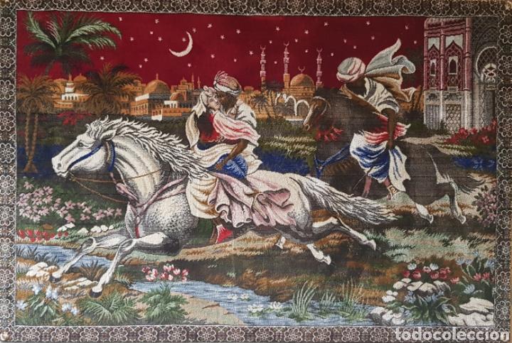 GRAN TAPIZ ENMARCADO, AÑOS 1960-70 (Antigüedades - Hogar y Decoración - Alfombras Antiguas)
