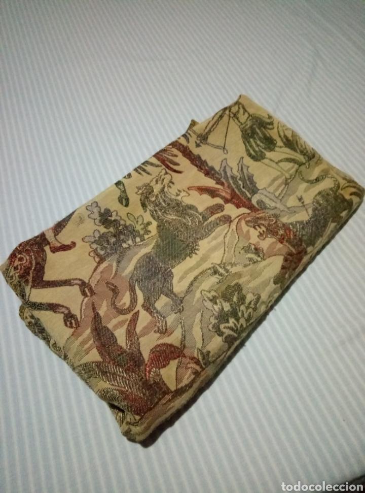 Antigüedades: Antigua colcha con escenas de caza Seda bordada - Foto 10 - 193731711
