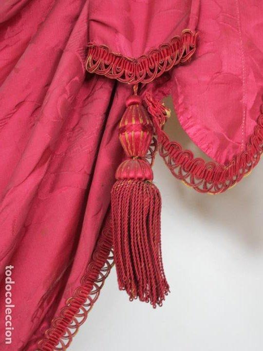 Antigüedades: Bonita Galería - Madera Tallada, Policromada y Dorada - con Cortina, Dosel - S. XVIII-XIX - Foto 4 - 193775740