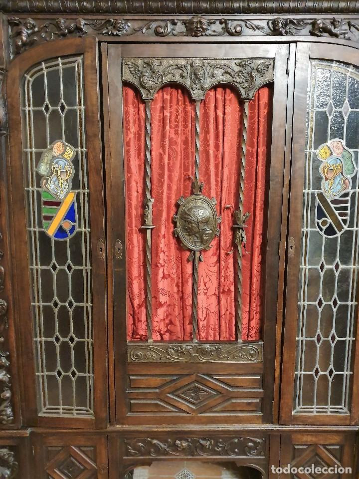 Antigüedades: ANTIGUA LIBRERIA NOGAL ESTILO ESPAÑOL - Foto 2 - 193781488