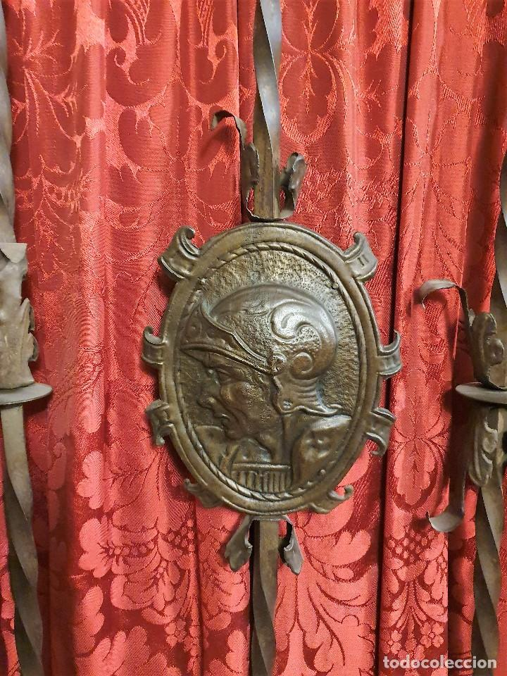 Antigüedades: ANTIGUA LIBRERIA NOGAL ESTILO ESPAÑOL - Foto 3 - 193781488