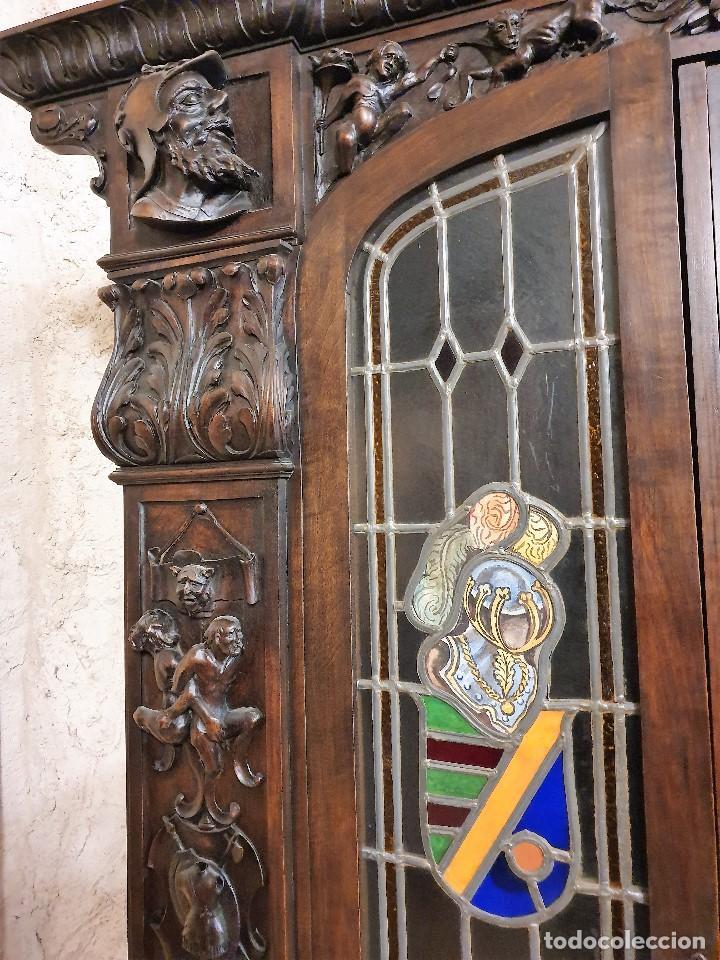 Antigüedades: ANTIGUA LIBRERIA NOGAL ESTILO ESPAÑOL - Foto 5 - 193781488