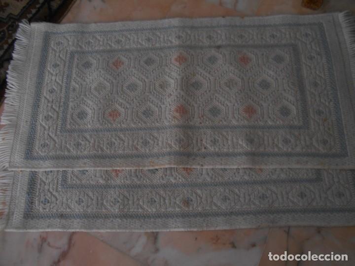 PAREJA DE ALFOMBRAS DE LANA (Antigüedades - Hogar y Decoración - Alfombras Antiguas)