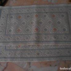 Antigüedades: PAREJA DE ALFOMBRAS DE LANA. Lote 193810471