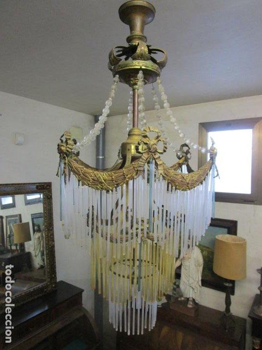 Antigüedades: Preciosa Lámpara de Techo - Art Decó - 8 Luces - Bronce - Decoración Lagrimas de Cristal - Años 20 - Foto 2 - 193828673
