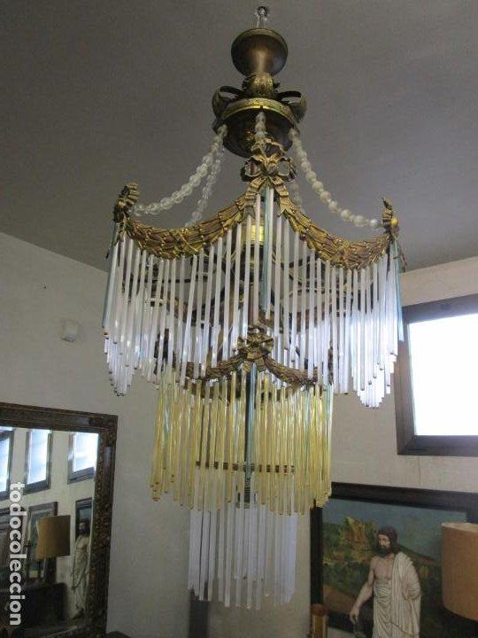 Antigüedades: Preciosa Lámpara de Techo - Art Decó - 8 Luces - Bronce - Decoración Lagrimas de Cristal - Años 20 - Foto 3 - 193828673