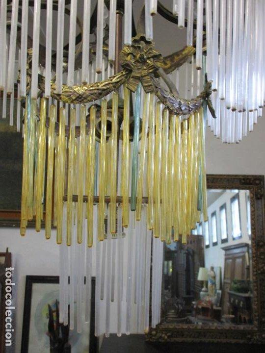 Antigüedades: Preciosa Lámpara de Techo - Art Decó - 8 Luces - Bronce - Decoración Lagrimas de Cristal - Años 20 - Foto 5 - 193828673