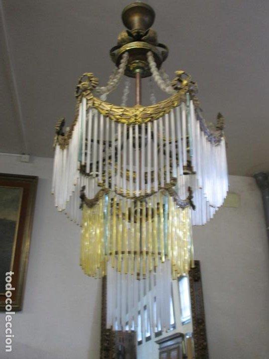 Antigüedades: Preciosa Lámpara de Techo - Art Decó - 8 Luces - Bronce - Decoración Lagrimas de Cristal - Años 20 - Foto 6 - 193828673