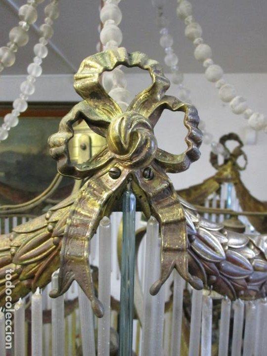 Antigüedades: Preciosa Lámpara de Techo - Art Decó - 8 Luces - Bronce - Decoración Lagrimas de Cristal - Años 20 - Foto 12 - 193828673