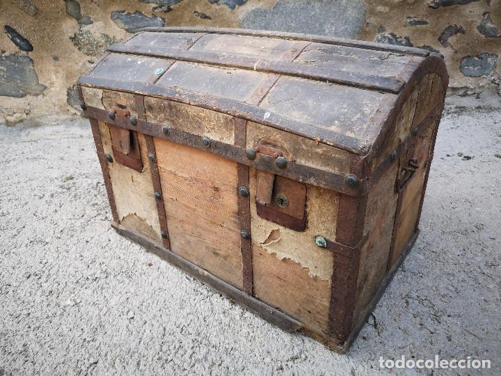 PEQUEÑO BAUL COFRE ANTIGUO (VER FOTOS) (Antigüedades - Muebles Antiguos - Baúles Antiguos)