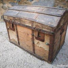 Antigüedades: PEQUEÑO BAUL COFRE ANTIGUO (VER FOTOS). Lote 193842150