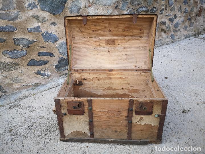 Antigüedades: PEQUEÑO BAUL COFRE ANTIGUO (VER FOTOS) - Foto 10 - 193842150