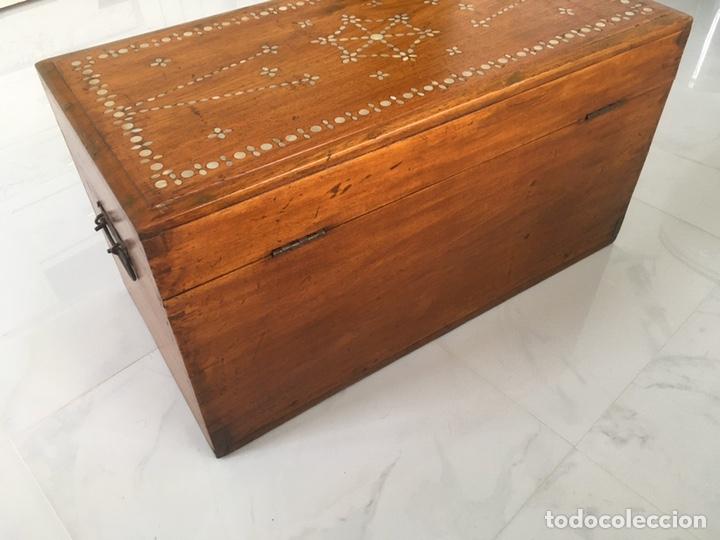 Antigüedades: Arqueta de madera y nácar S.XVIII - Foto 5 - 193854593