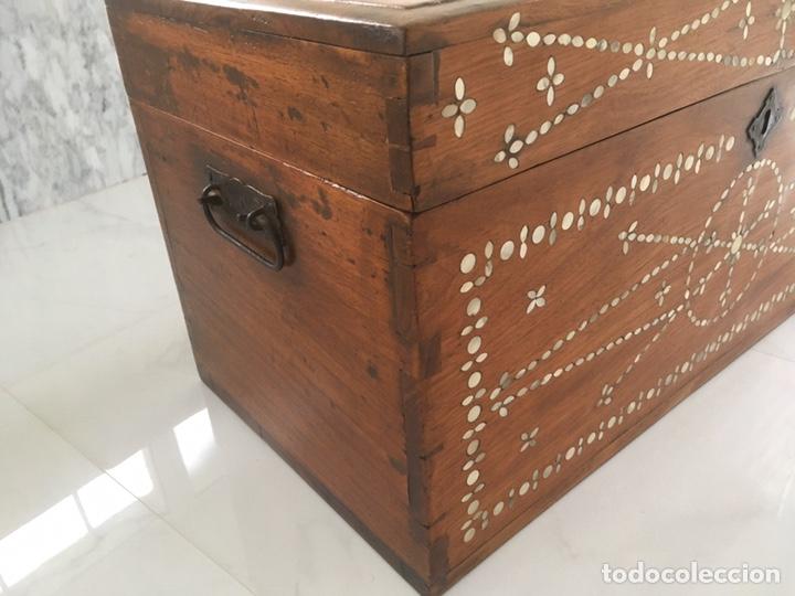 Antigüedades: Arqueta de madera y nácar S.XVIII - Foto 6 - 193854593
