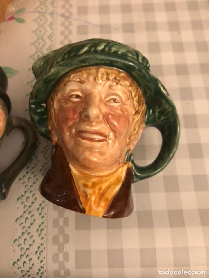 Antigüedades: Dos jarras en miniatura Toby jug marcas de royal dulton, 1932, raras - Foto 3 - 193868822