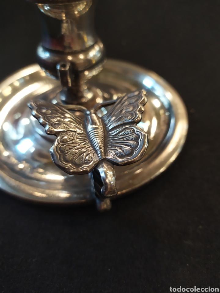 Antigüedades: Meneses. Preciosa palmatoria modernista sello Meneses. Portavelas con mariposa. - Foto 4 - 193886338