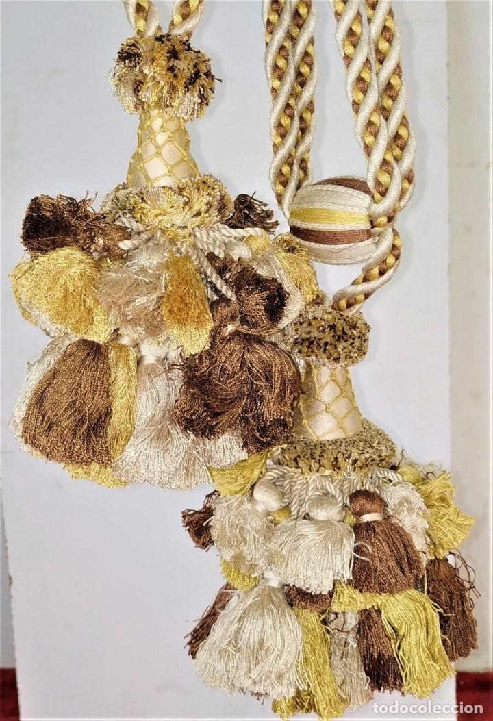 Antigüedades: PAREJA DE GRANDES ALZAPAÑOS PARA CORTINA. ALGODÓN SATINADO. SIN USO. ESPAÑA. SIGLO XX - Foto 2 - 193908155