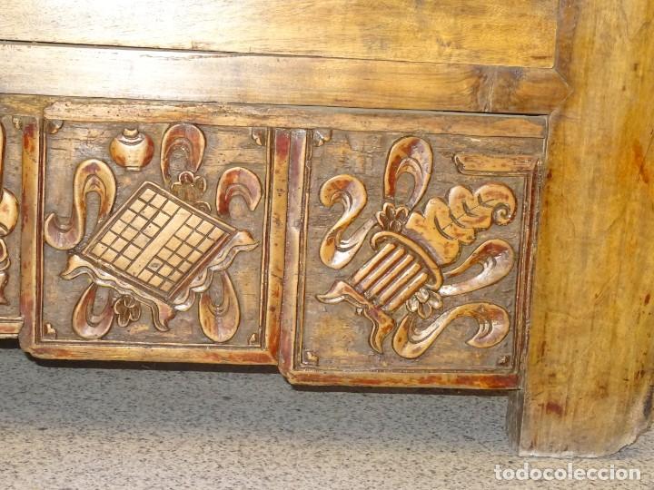 Antigüedades: Armario chino, S.XIX, en madera de olmo y bronce - Foto 11 - 193912053