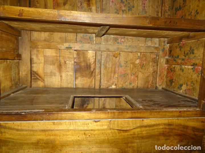 Antigüedades: Armario chino, S.XIX, en madera de olmo y bronce - Foto 37 - 193912053