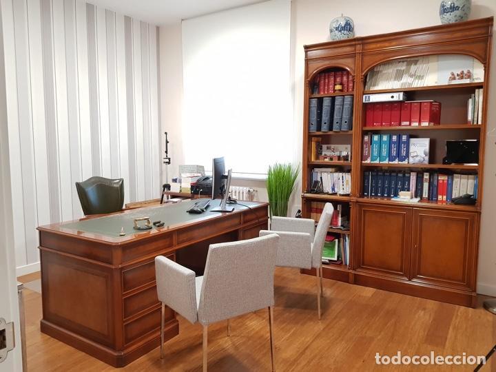 Antigüedades: URGE VENTA 1 SEMANA. Mesa inglesa, sillón y librería a juego - Foto 4 - 193915812
