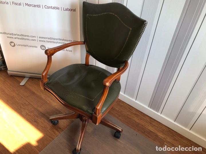 Antigüedades: URGE VENTA 1 SEMANA. Mesa inglesa, sillón y librería a juego - Foto 6 - 193915812