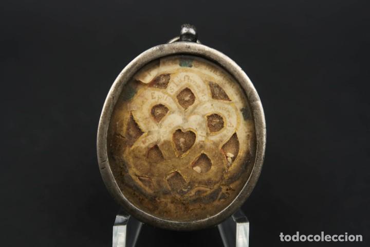 Antigüedades: Antiguo Relicario de Plata con varias Reliquias de Santos Siglo XVIII - Foto 4 - 193957743
