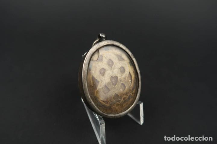 Antigüedades: Antiguo Relicario de Plata con varias Reliquias de Santos Siglo XVIII - Foto 5 - 193957743