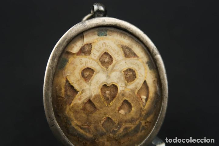 Antigüedades: Antiguo Relicario de Plata con varias Reliquias de Santos Siglo XVIII - Foto 6 - 193957743