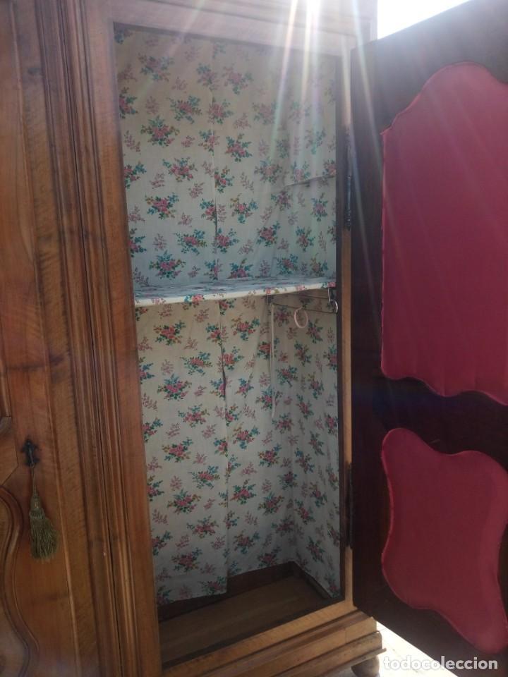 Antigüedades: antiguo armario de cerezo silvestre 2 piezas ensamblado con cuñas de madera,estilo suizo.siglo xix - Foto 8 - 193967007