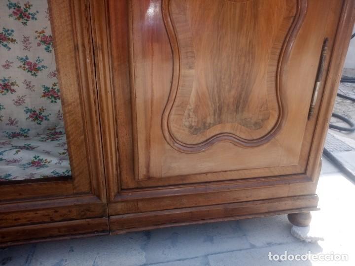 Antigüedades: antiguo armario de cerezo silvestre 2 piezas ensamblado con cuñas de madera,estilo suizo.siglo xix - Foto 21 - 193967007