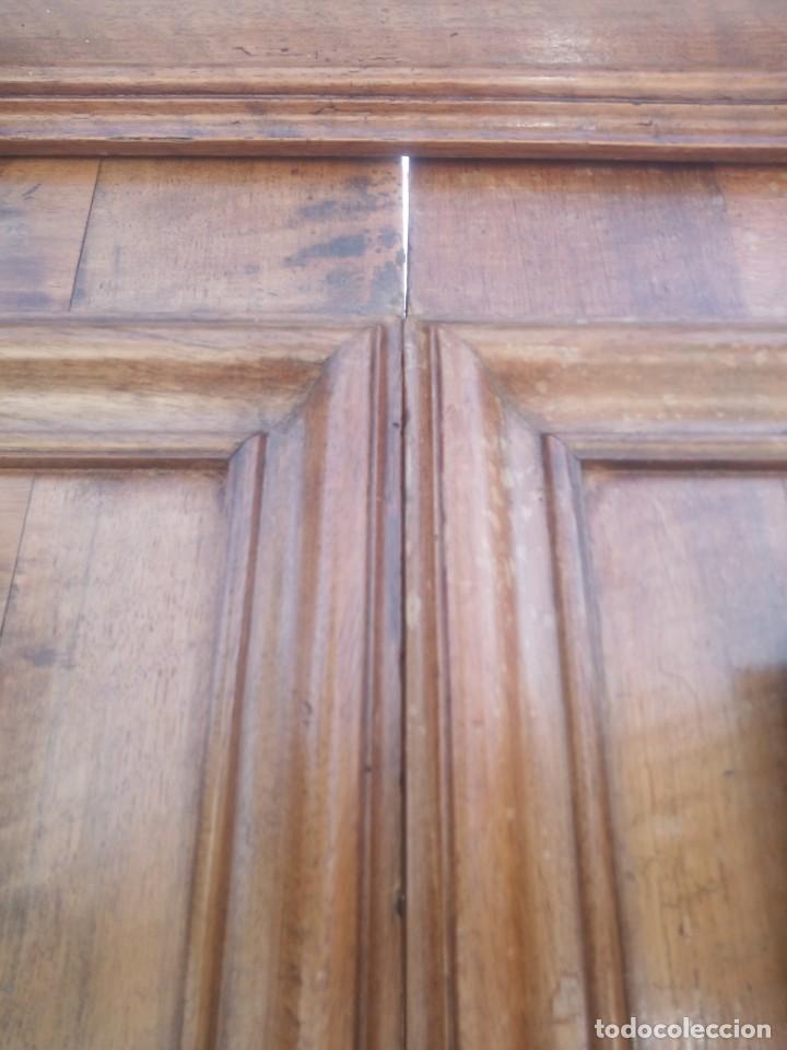 Antigüedades: antiguo armario de cerezo silvestre 2 piezas ensamblado con cuñas de madera,estilo suizo.siglo xix - Foto 22 - 193967007